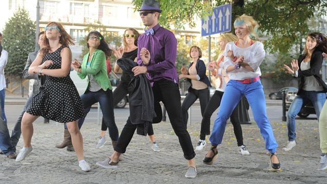 Tomek Barański tańczy Gangnam